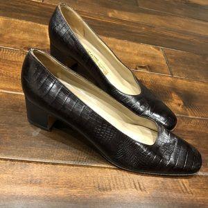 Women's size 8.5 small Ferragamo heels